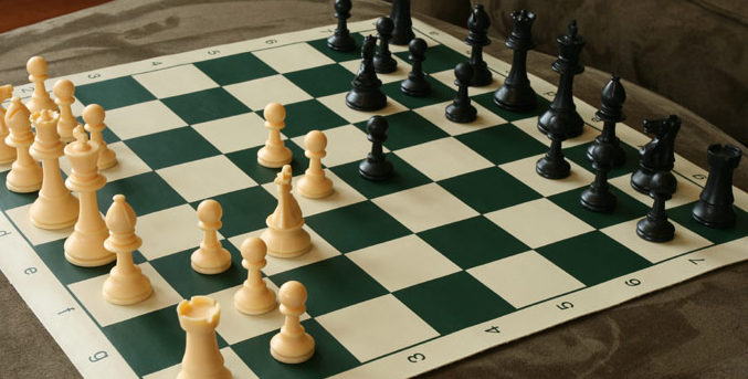 quality-plastic-chess-set-b